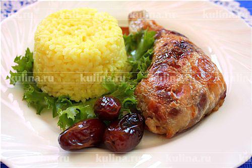 Куриная ножка фаршированная шпинатом с рисом карри