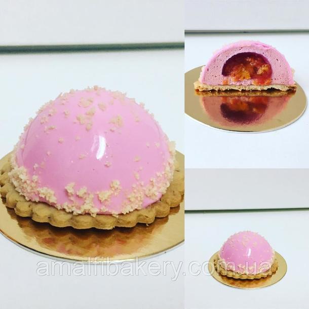 Муссовое пирожное с малиной