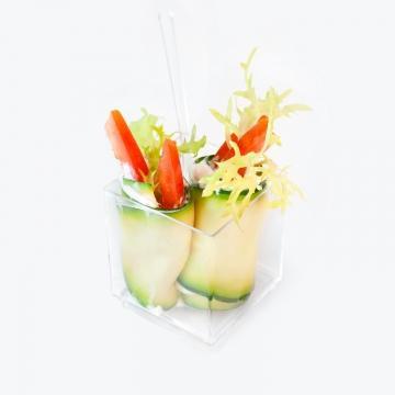 Рулеты из цукини с рукколой и овощами (веган меню)